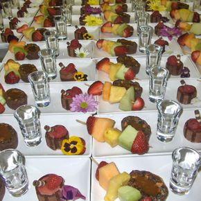 fruit and chocolate cake plates