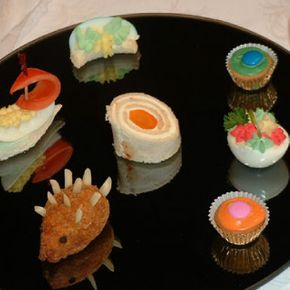 elaborate finger foods