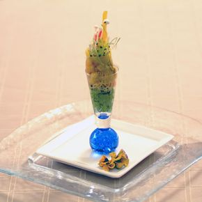 elaborate finger food